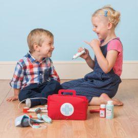 Doctors Set for Kids Children Pretend Play Wooden Toys Le Toy Van