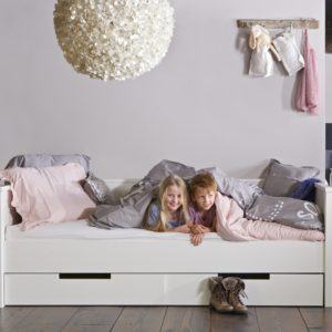 Jade Day Bed with Underbed Drawers, Solid Wood - White