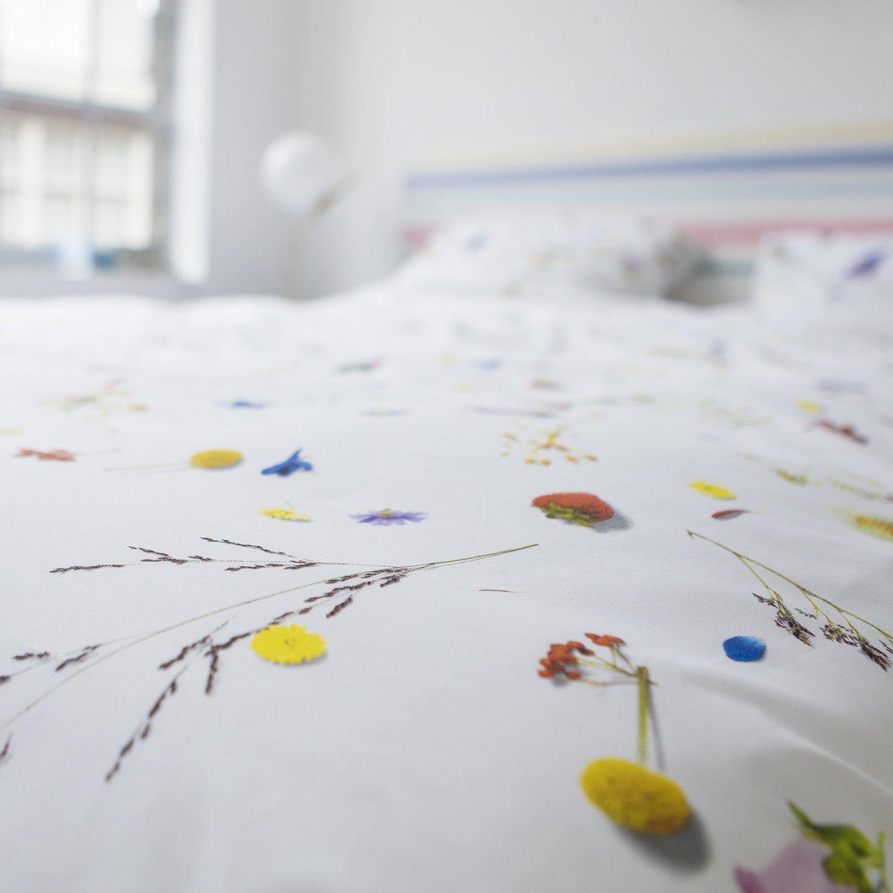Flower Fields Duvet Set - White (Single)