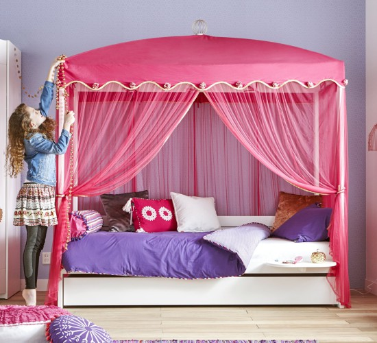 Four-Poster Bed with 1001 Nights Canopy - White by Lifetime Kidsrooms