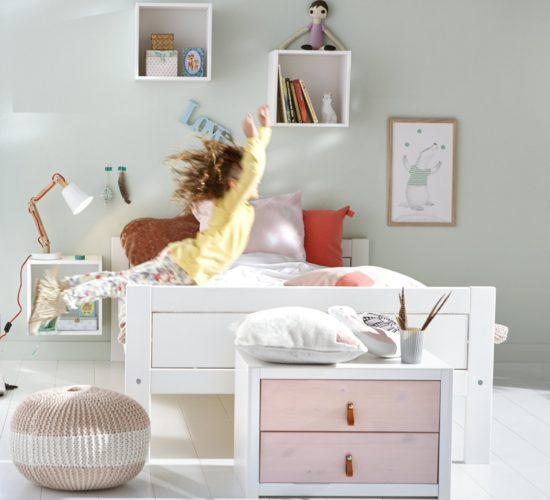 Superior Classic Bed (3/4), Solid Wood - White by Lifetime Kidsrooms