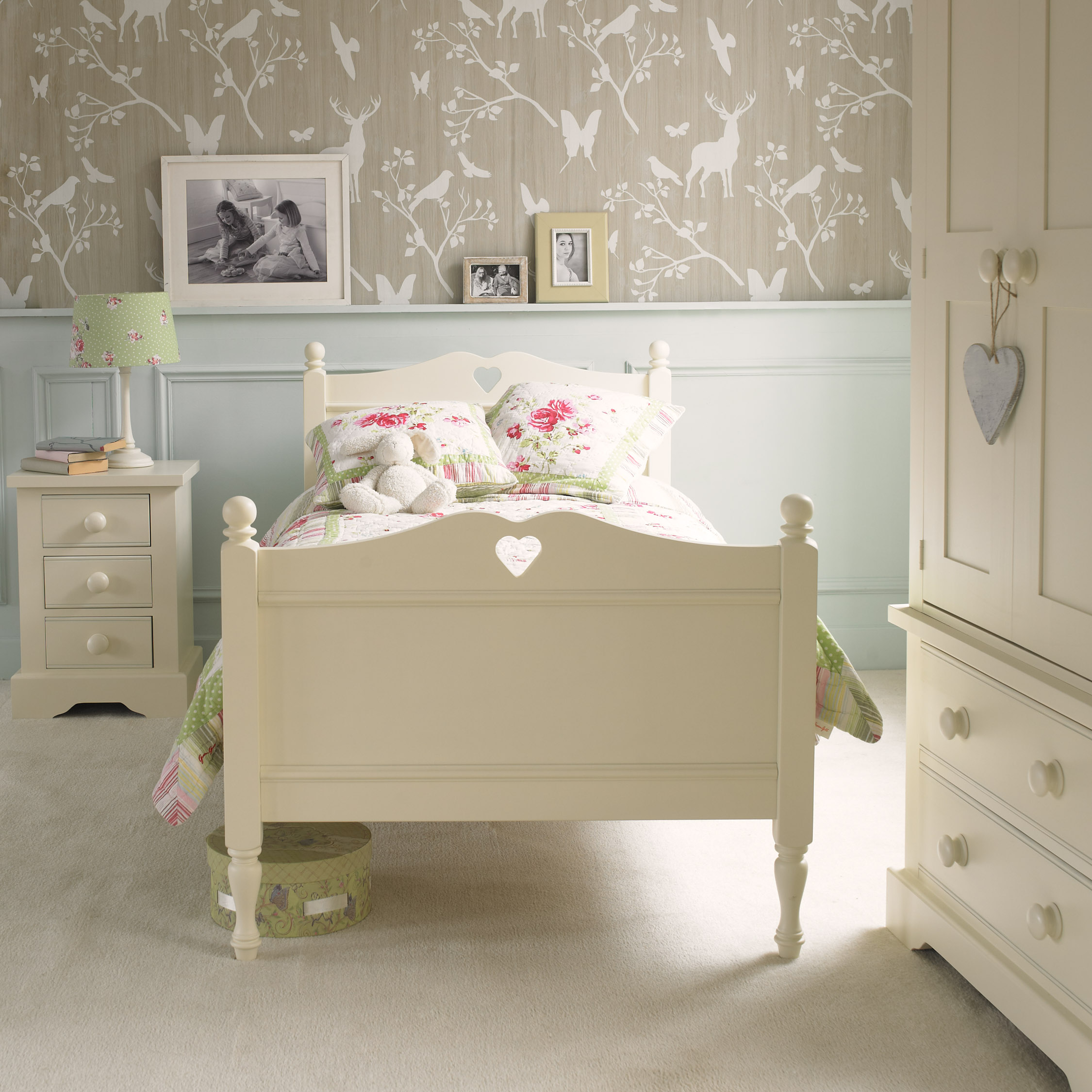 heart bed ivory white by little folks for children