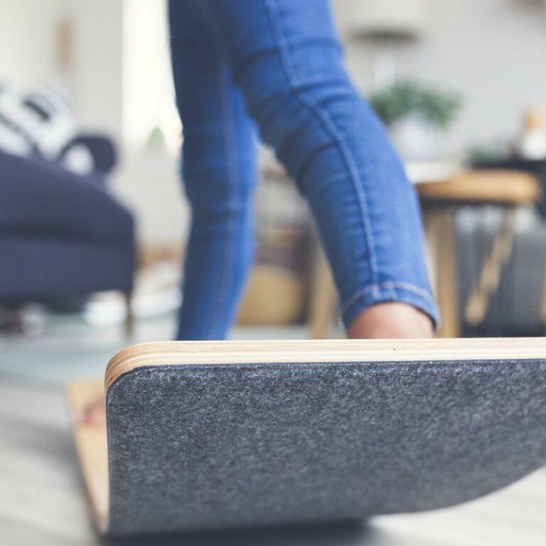 Wobbel® XL Balance Board - includes Felt (Mouse) - Transparent lacquer