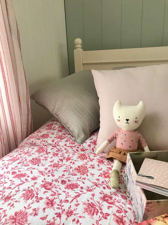 Create A Classic Country Bedroom